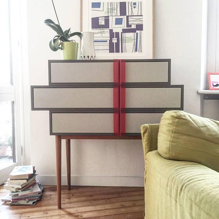Line Dresser, Design Icon, Sculptural Chest of Drawers, Opalescent Handles In New Condition For Sale In Milan, Lombardy