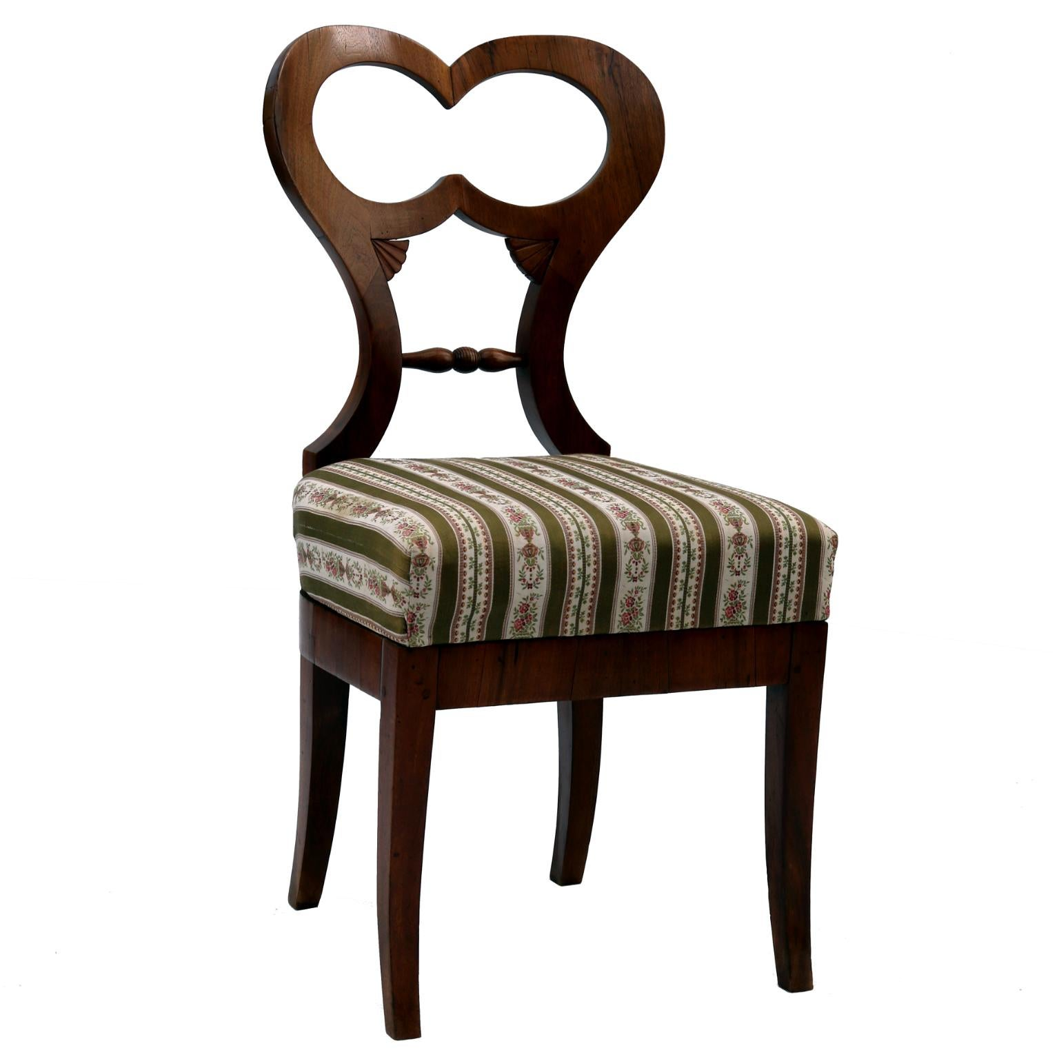 Biedermeier Chair In Walnut 1820s For Sale