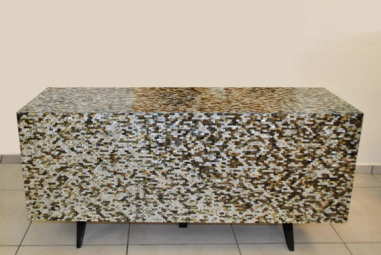'Madrid' Mother of Pearl Sideboard Table with Grey Mirror Finish Doors For Sale 1
