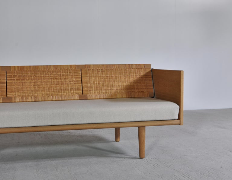 Hans J. Wegner 1950s Danish Modern Daybed in Oak and Rattan