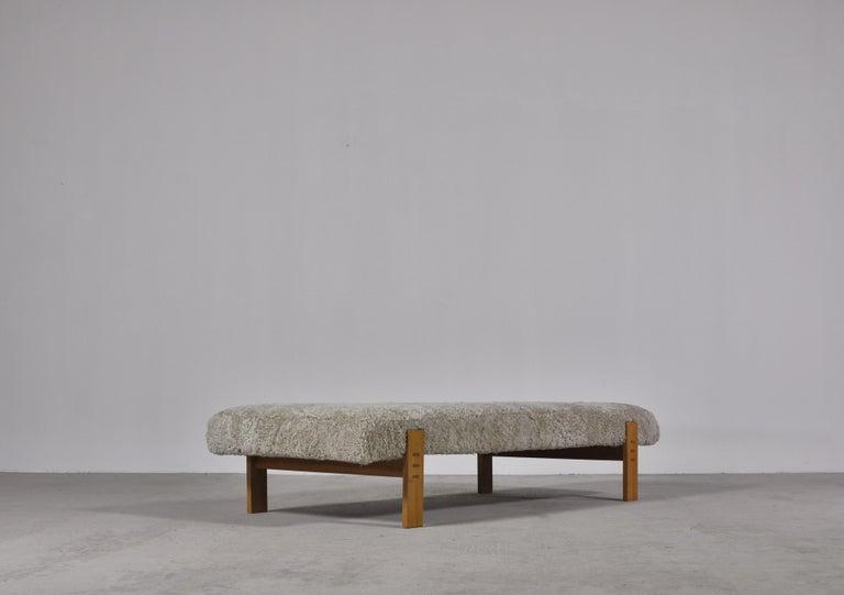 Scandinavian Modern Danish Modern Daybed in Oak and Sheepskin by Eva & Nils Koppel in the 1960s For Sale