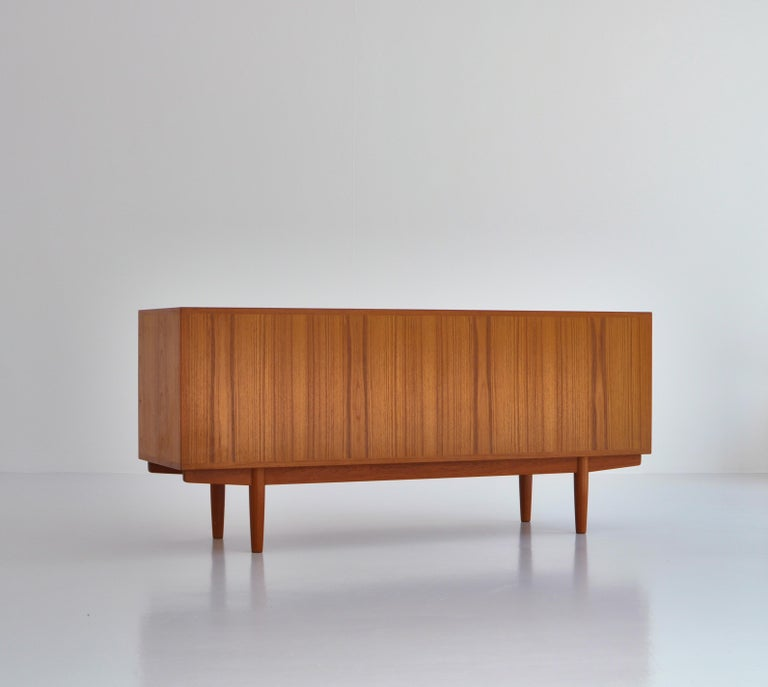 Hans J. Wegner Sideboard in Teakwood made at Cabinetmaker Johannes Hansen, 1960s 7