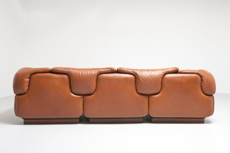 Confidential Sofa by Alberto Rosselli for Saporiti, 1970s For Sale 3