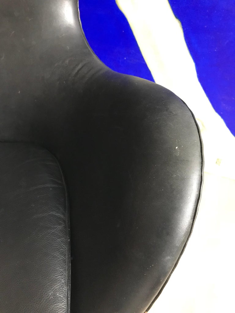 20th Century Very Early 1958 - 1960 Arne Jacobsen 3316 Egg Chair in Black Leather For Sale