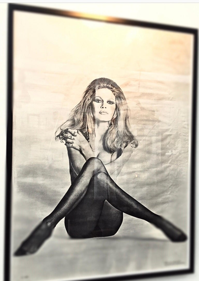 Original vintage black and white poster print from 1970 of Brigitte Bardot in one of her all time best poses  Framed and ready to hang  No pin holes and no tape residue. Measures: 106 x 78. The 10 posters are in extremely good condition with just