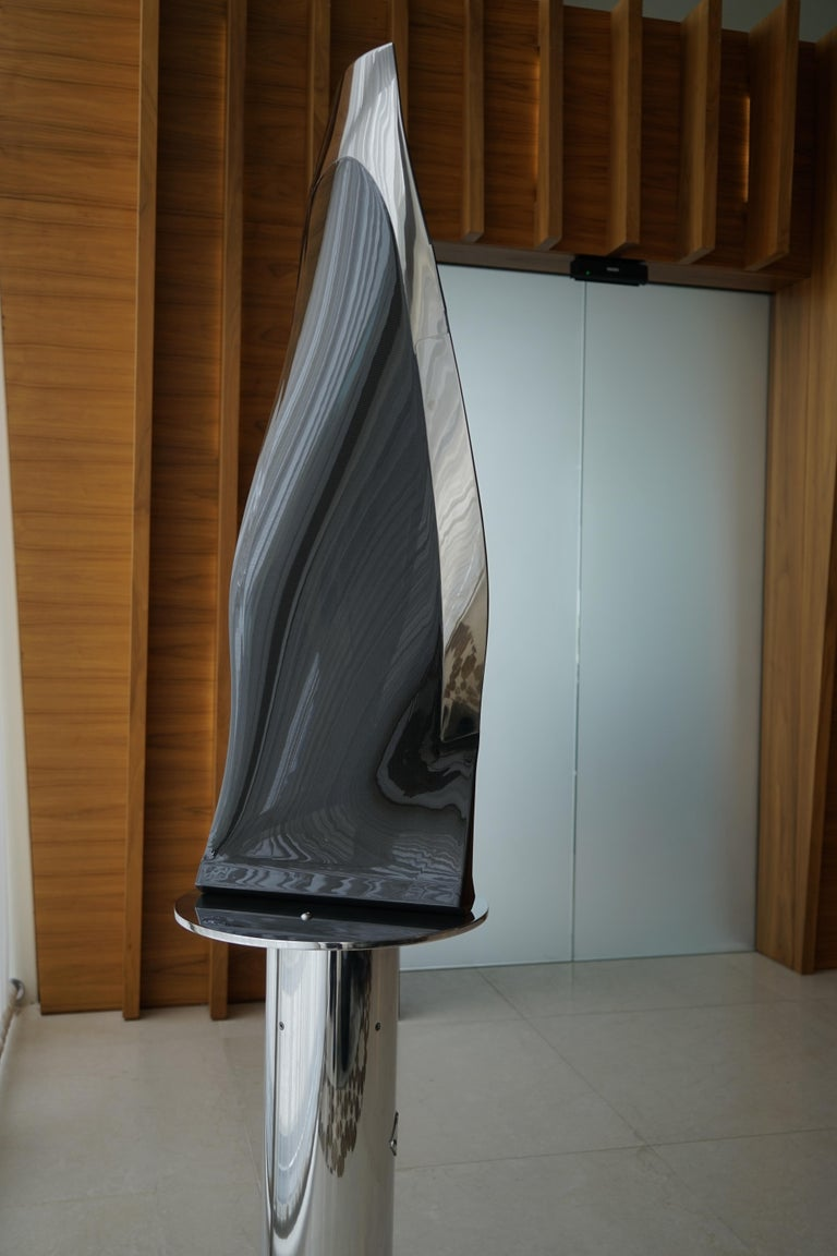 Boeing 777-300 Fan Blade Sculpture In Excellent Condition For Sale In Luton, GB