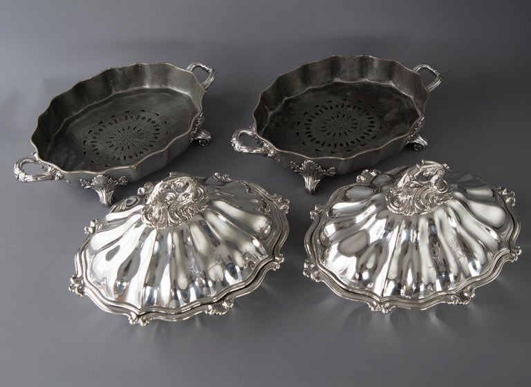 Early Victorian Pair of Victorian Silver Vegetable Tureens with Warming Bases, London, 1845 For Sale