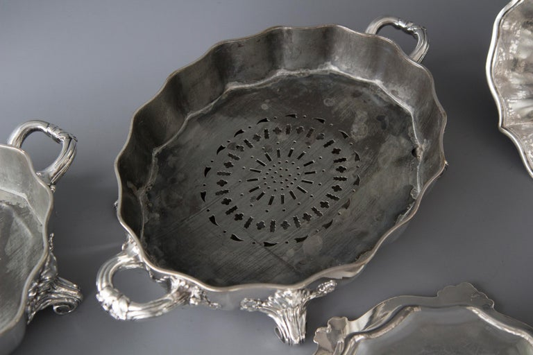 Pair of Victorian Silver Vegetable Tureens with Warming Bases, London, 1845 For Sale 9