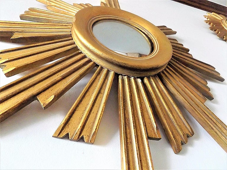 French Vintage Wooden Sunburst Convex Mirror, 1950s For Sale