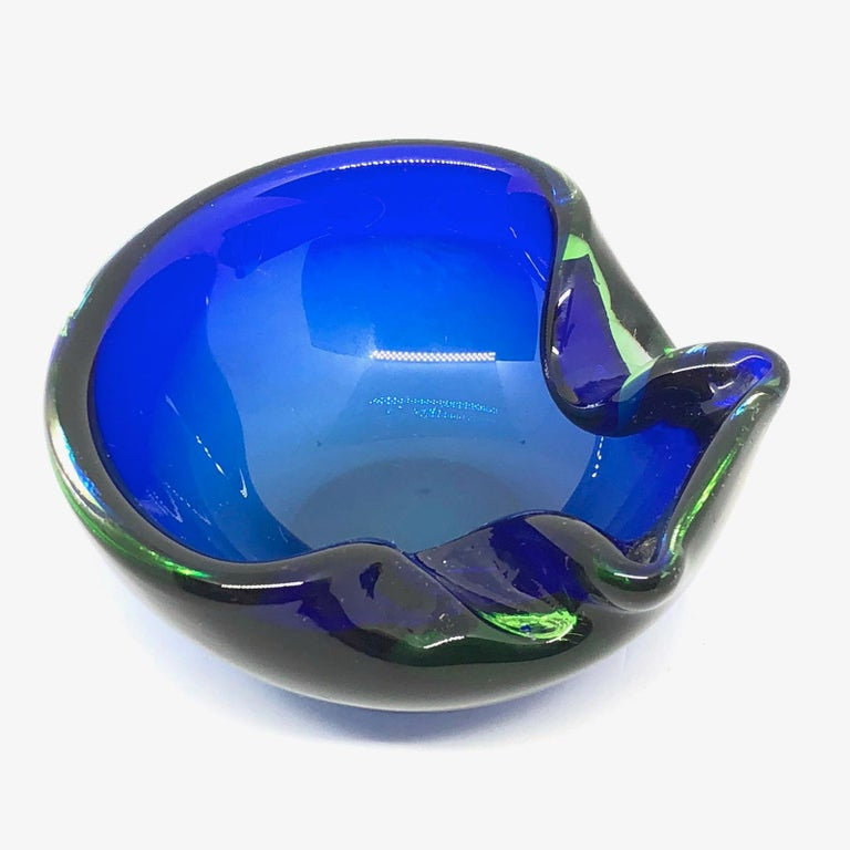 Sommerso Vintage Italian Blue and Green Murano Glass Cigar Ashtray, circa 1970 In Good Condition For Sale In Nürnberg, DE