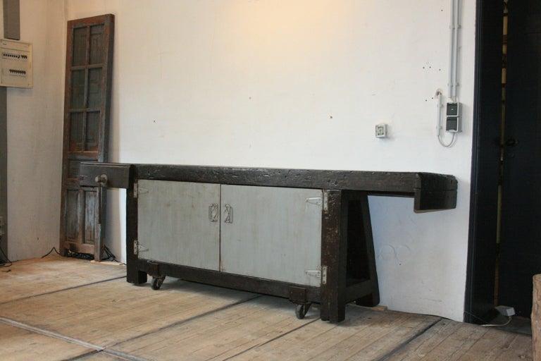 Old Industrial Workbench In Good Condition For Sale In Dusseldorf, DE
