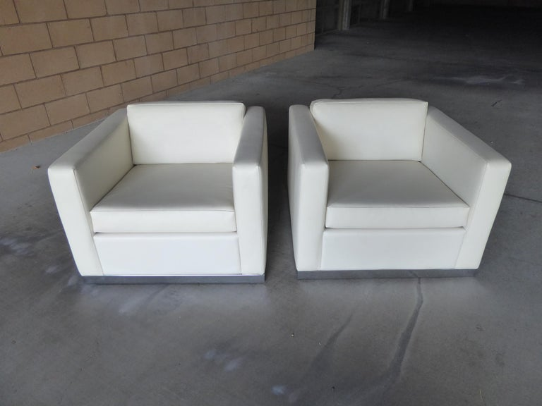 Mid-Century Modern Pair of Vintage Canadian Cube Chairs For Sale