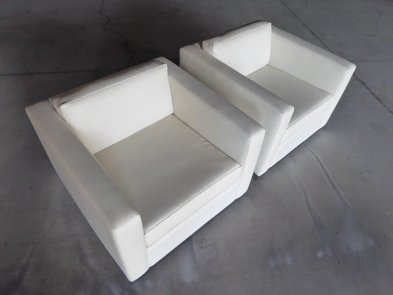 Pair of Vintage Canadian Cube Chairs In Excellent Condition For Sale In Palm Springs, CA