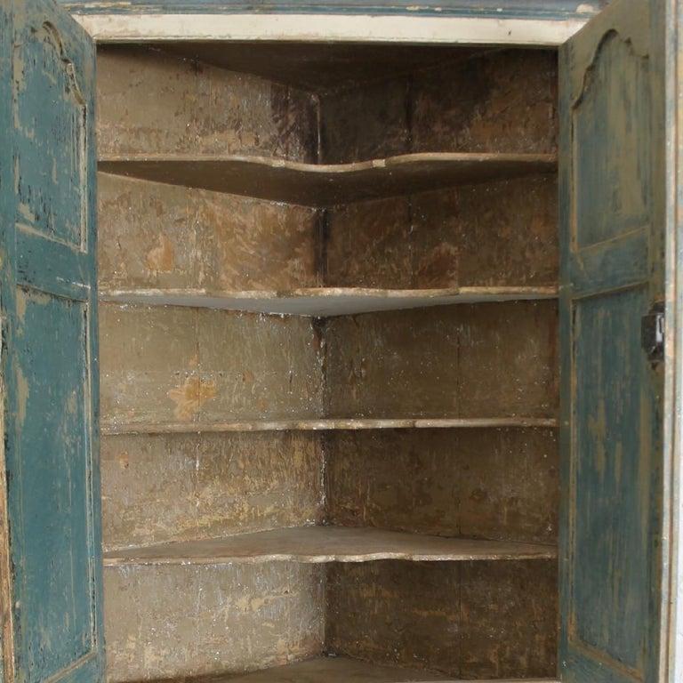 British Large George III Original Painted Pine Floor Standing Corner Cupboard For Sale