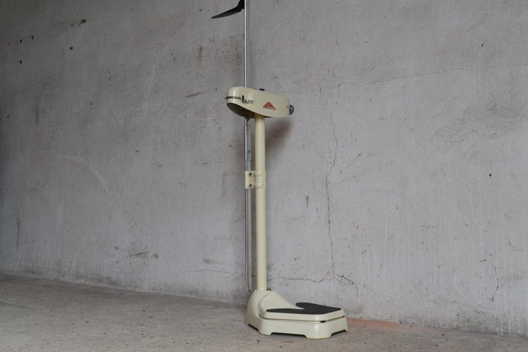 Mid-Century Modern Weighing Scales from Seca, 1950s For Sale