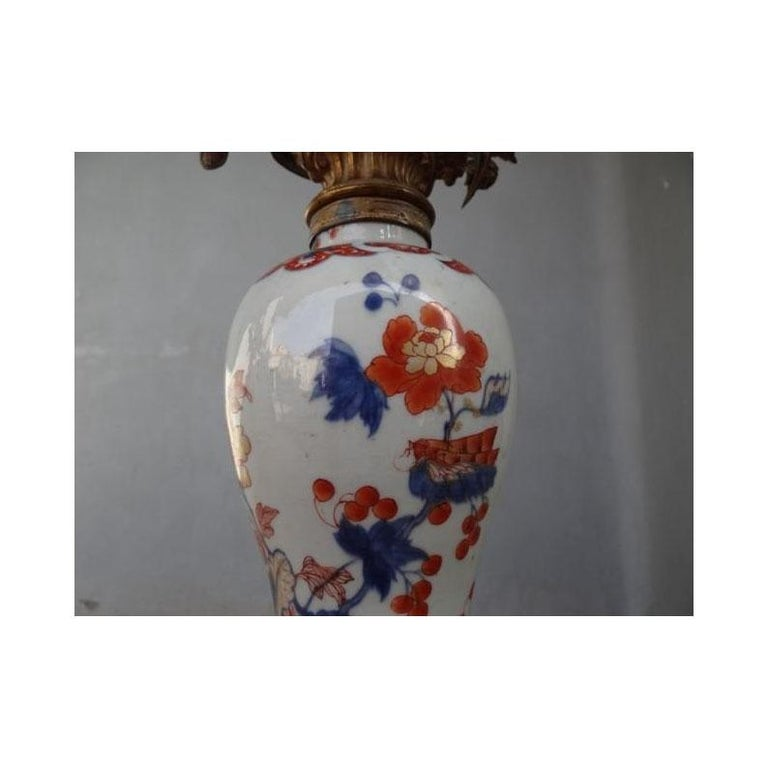 Hand-Painted 19th Century Pair of Imari Porcelaine Lamp Mounted Gilt Bronze For Sale
