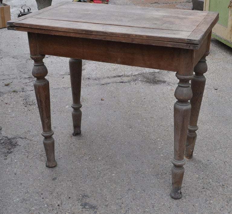 Antique Farm Table /A Top Which Pivots through 90 Degrees In Good Condition For Sale In Lábatlan, HU