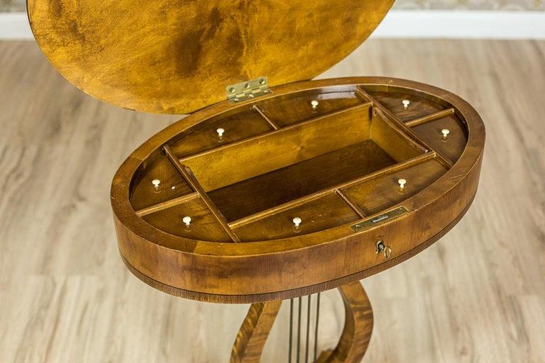 Biedermeier Sewing Table Veneered with Birch For Sale 1