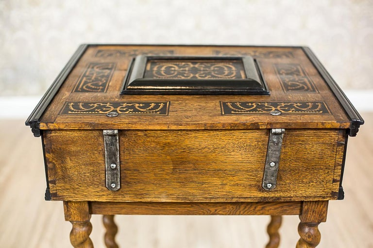 Neo-Baroque Oak Sewing Table, circa Late 19th Century For Sale 7