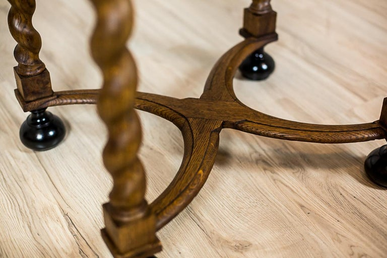 Neo-Baroque Oak Sewing Table, circa Late 19th Century For Sale 8