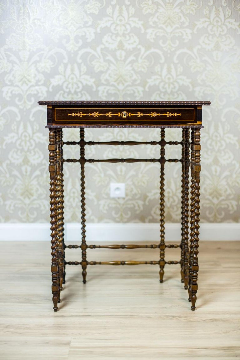 French Intarsiated Table from the 19th Century In Good Condition For Sale In Opole, PL