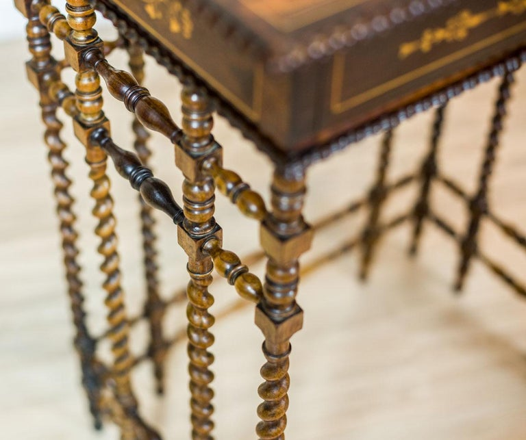 French Intarsiated Table from the 19th Century For Sale 1