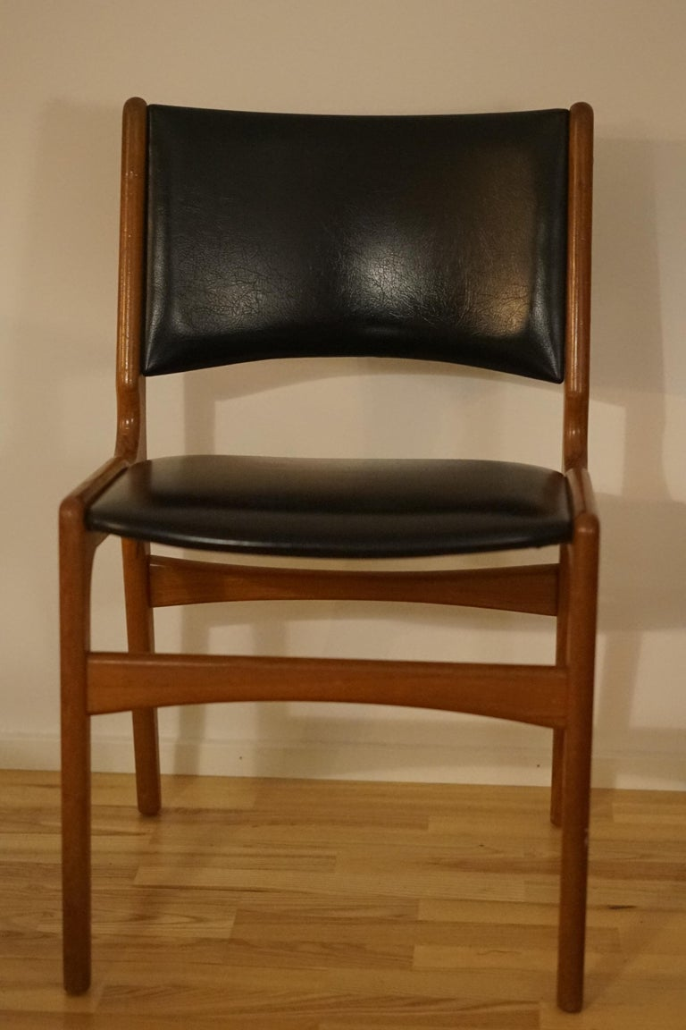 Scandinavian Modern Erik Buch Dining Chairs in Solid Teak and Black Leather For Sale