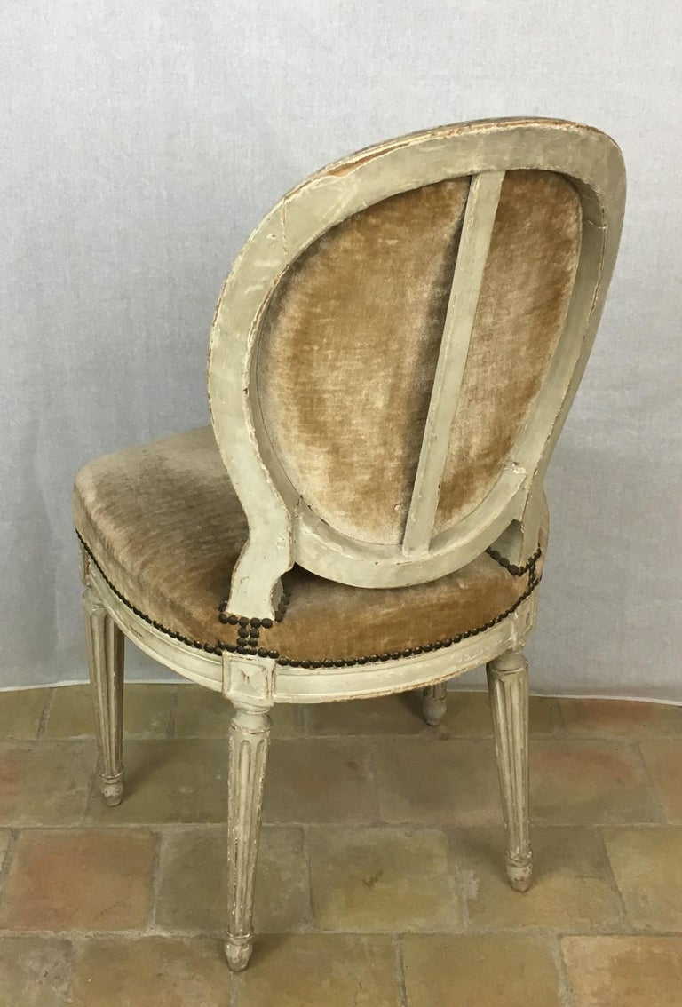 Set of Eight 19th Century Louis XVI Medaillon Dining Chairs For Sale 6
