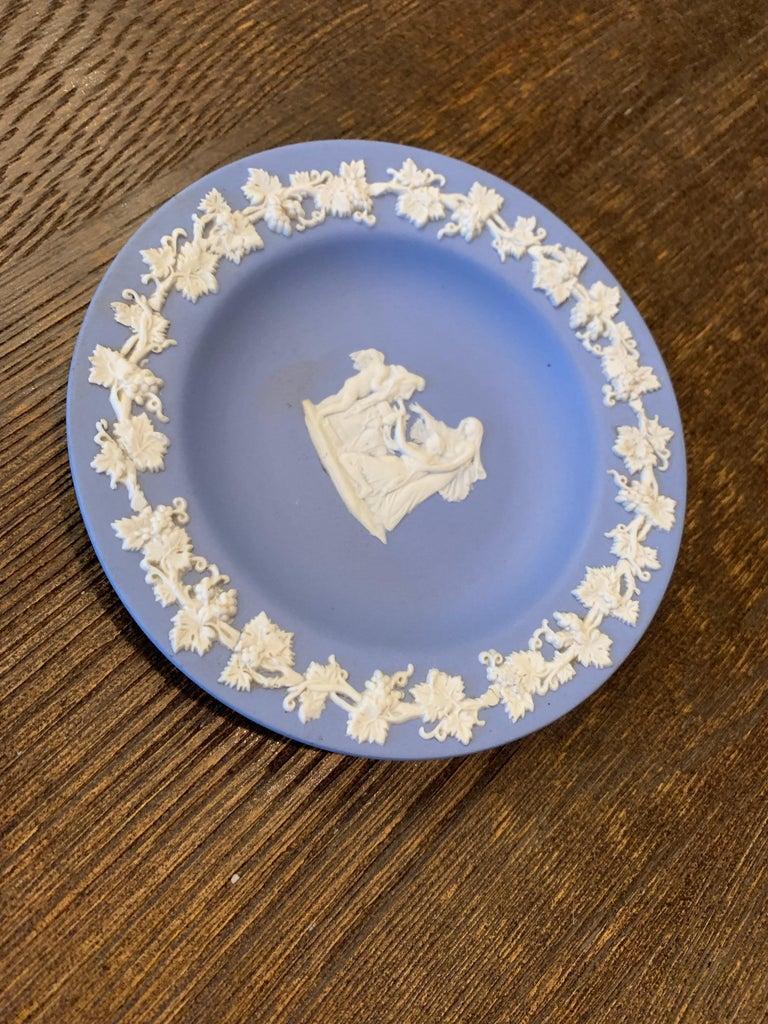 Neoclassical Mid-century Wedgwood Jasperware Cream on Blue For Sale