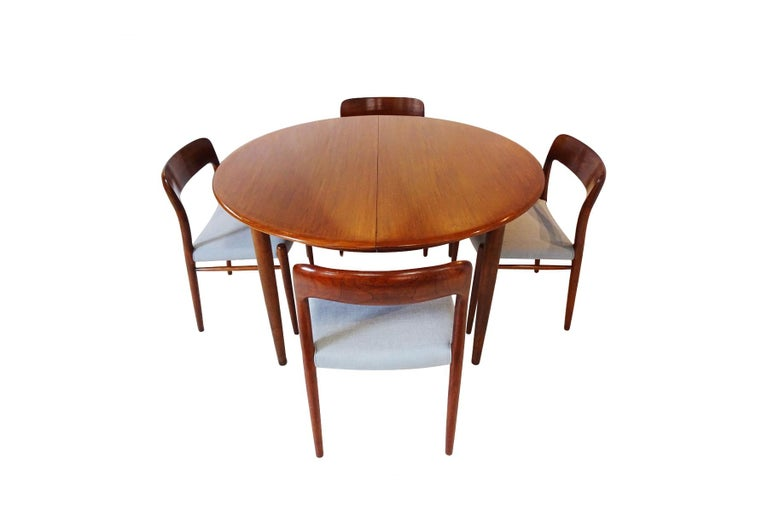 20th Century Dining Set - Danish Midcentury Teak table and 8 chairs by Niels Otto Moller For Sale
