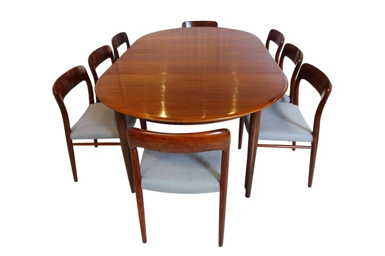 Mid-Century Modern Dining Set - Danish Midcentury Teak table and 8 chairs by Niels Otto Moller For Sale