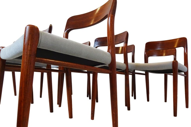 Dining Set - Danish Midcentury Teak table and 8 chairs by Niels Otto Moller For Sale 3