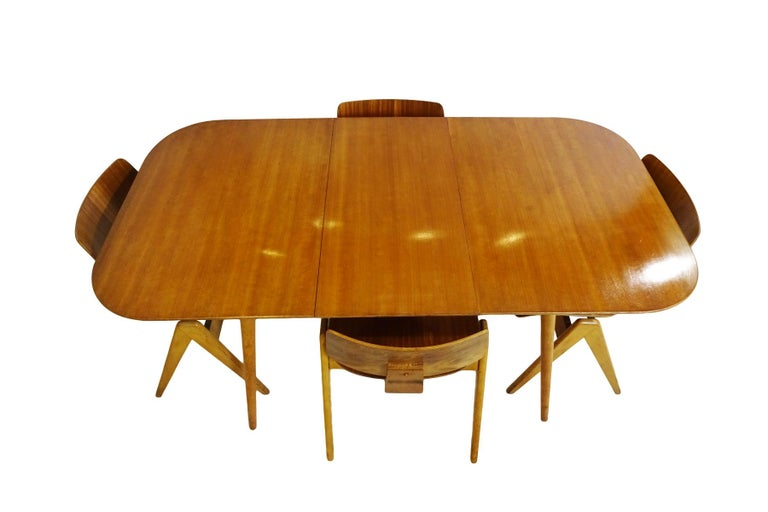 British midcentury 1950s beech and walnut veneer dining set by Robin Day for Hille.