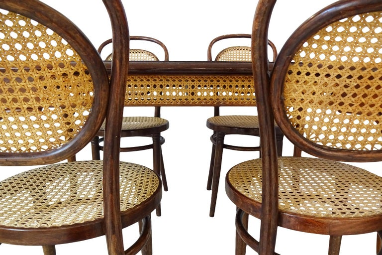 Black Forest Dining set - Antique Michael Thonet Designed No.11 Chairs and matching table For Sale