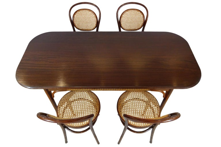 German Dining set - Antique Michael Thonet Designed No.11 Chairs and matching table For Sale