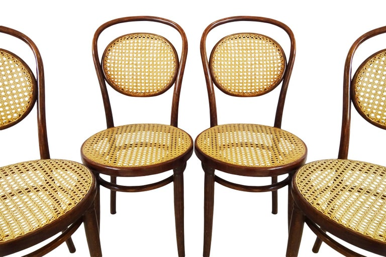 20th Century Dining set - Antique Michael Thonet Designed No.11 Chairs and matching table For Sale