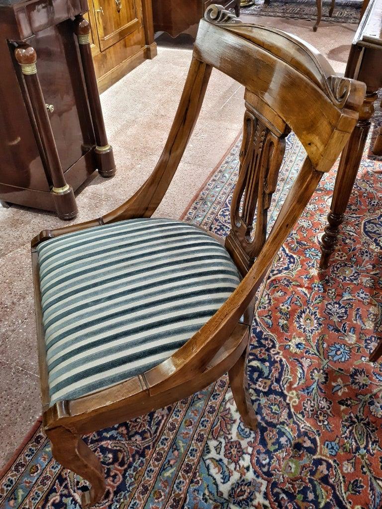 19th Century Napoleon III Walnut French Gondola Chair Restored For Sale 4