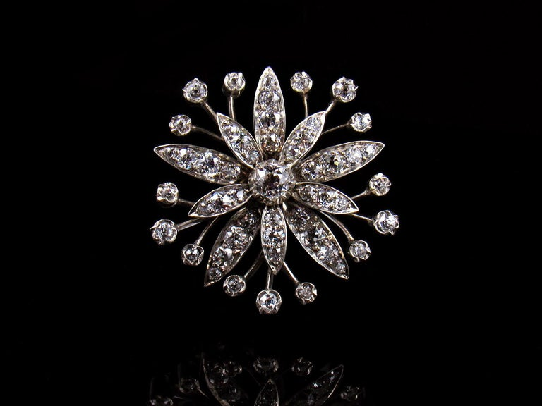 19th Century Victorian 2.5-Carat Diamond and Gold Flower Pendant For Sale