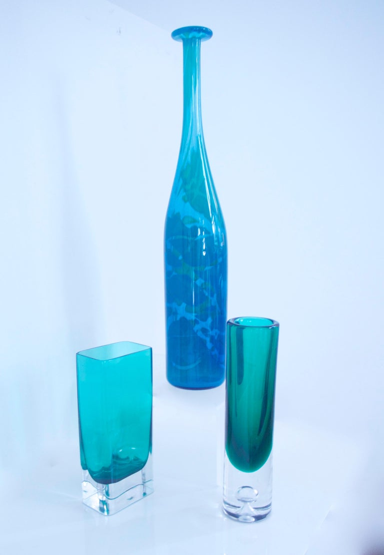 Art Glass Pair of Scandinavian Modern Vases by Riihimaki, Finland, Late 1950s For Sale