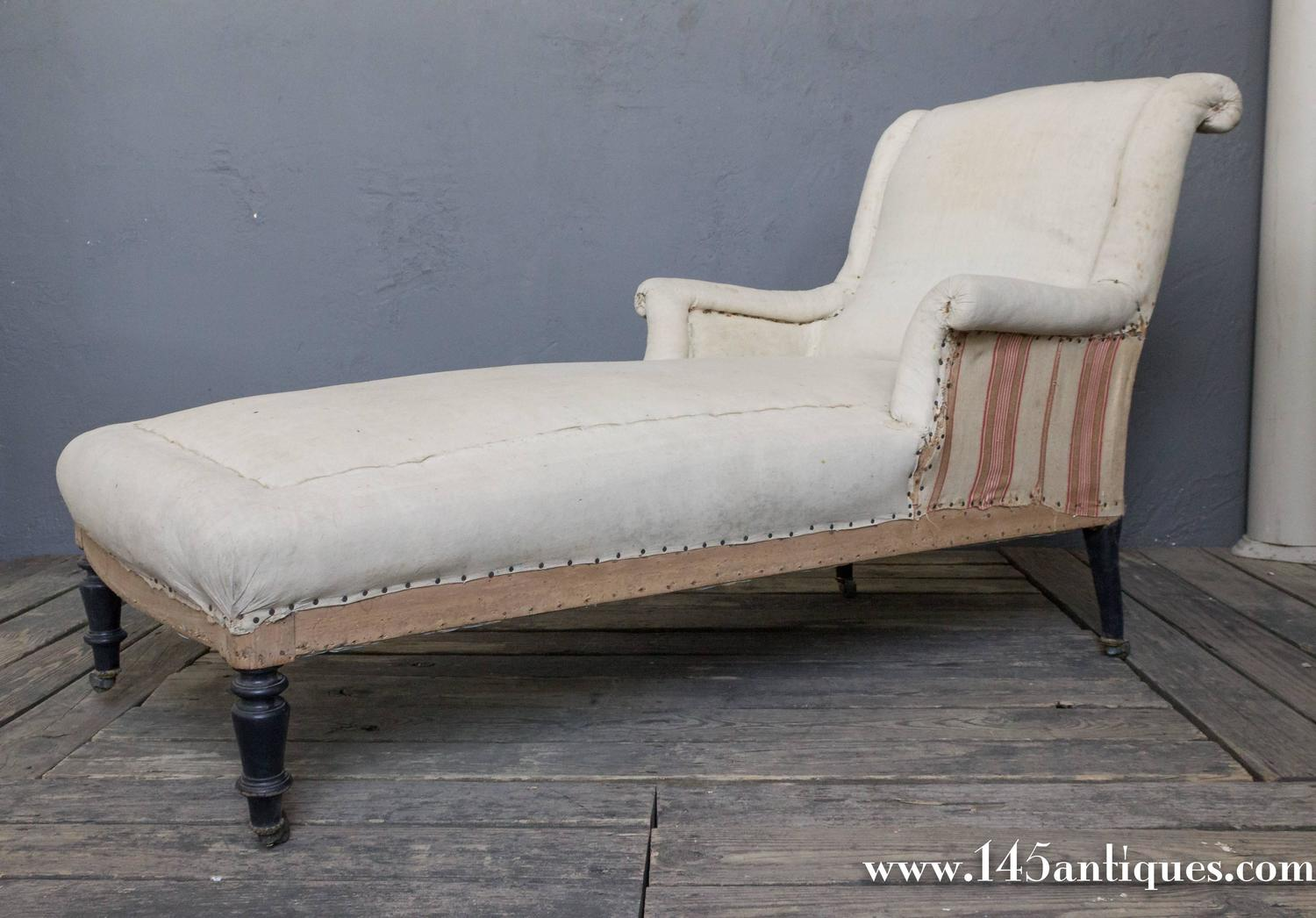 French 19th century chaise longue with scrolled back for for Chaise longue french