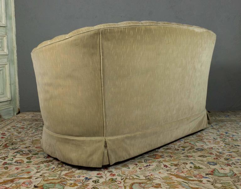 Mid-20th Century Small Tufted Sofa with Loose Seat Cushion For Sale