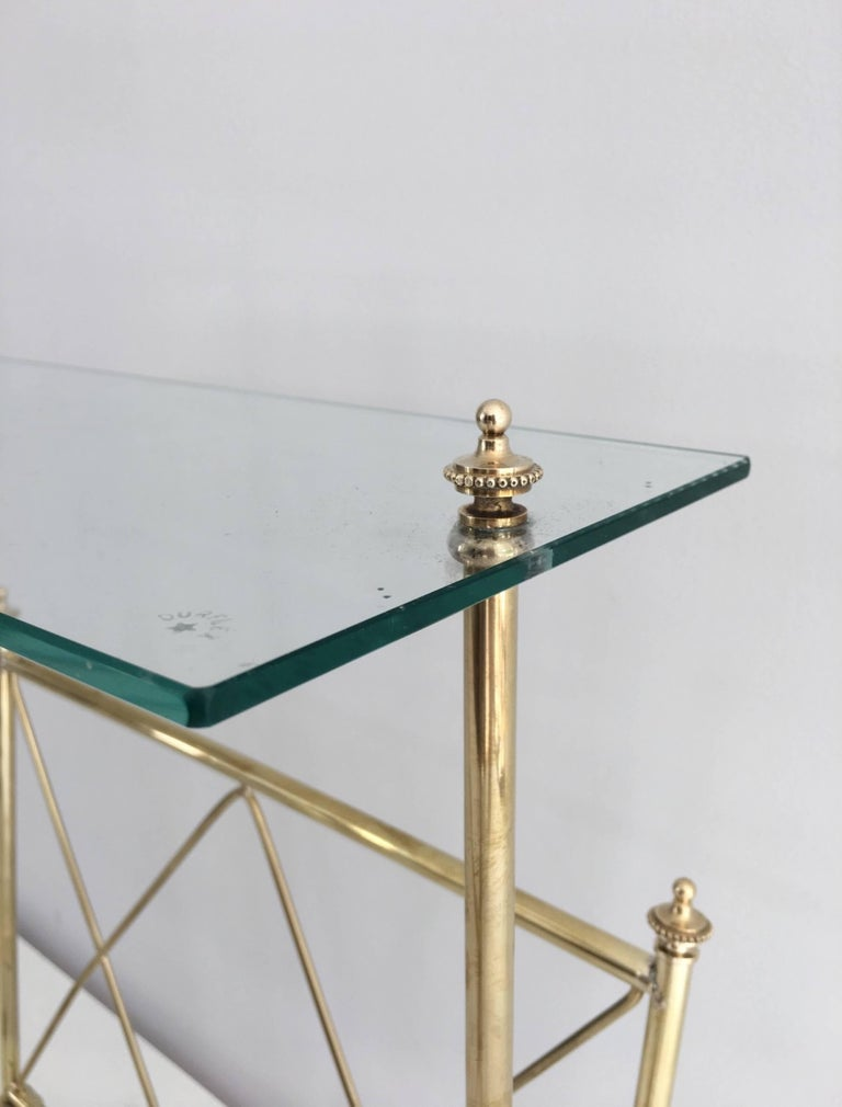 1940s French Brass and Glass Magazine Rack, Attributed to Maison Jansen For Sale 1