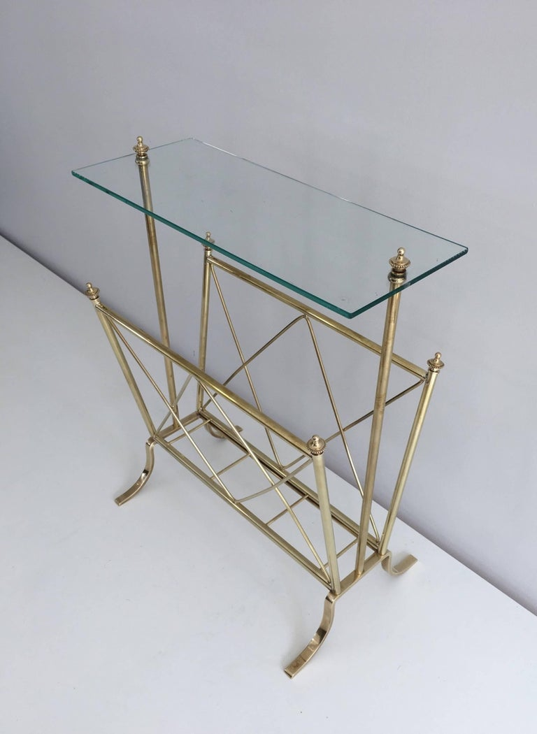 1940s French Brass and Glass Magazine Rack, Attributed to Maison Jansen For Sale 4