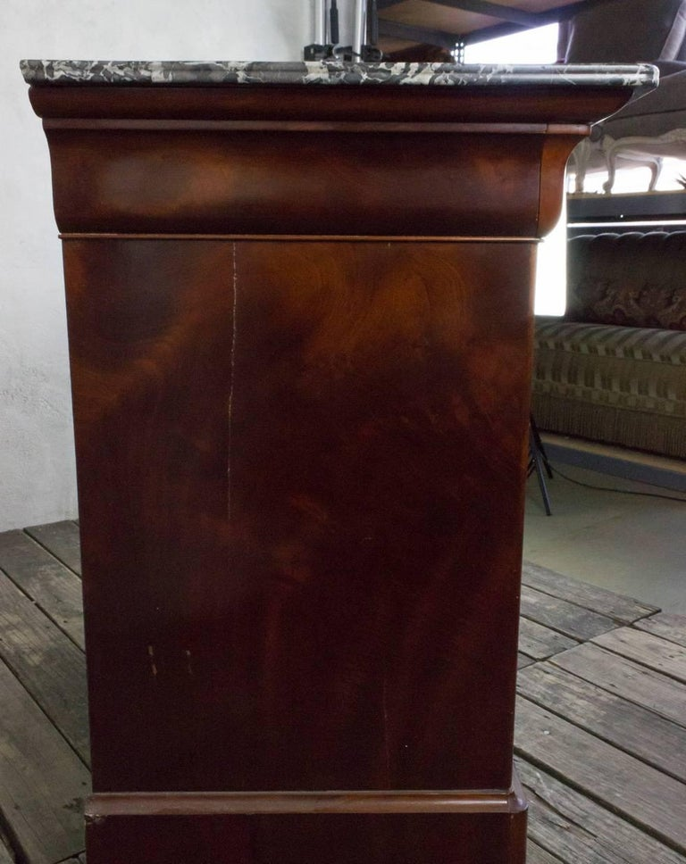 Oak French 19th Century Chest of Drawers For Sale