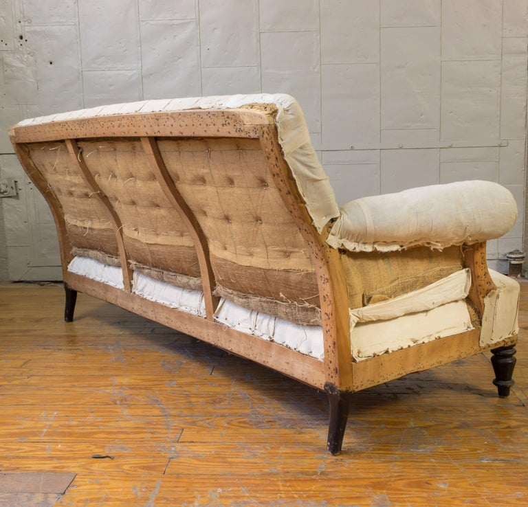 19th Century French Tufted Sofa In Good Condition For Sale In Long Island City, NY