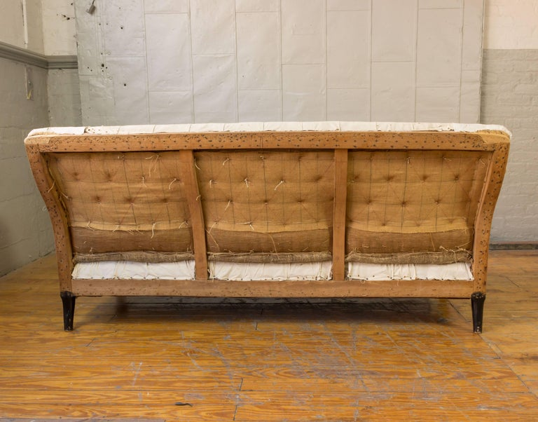 19th Century French Tufted Sofa For Sale 1