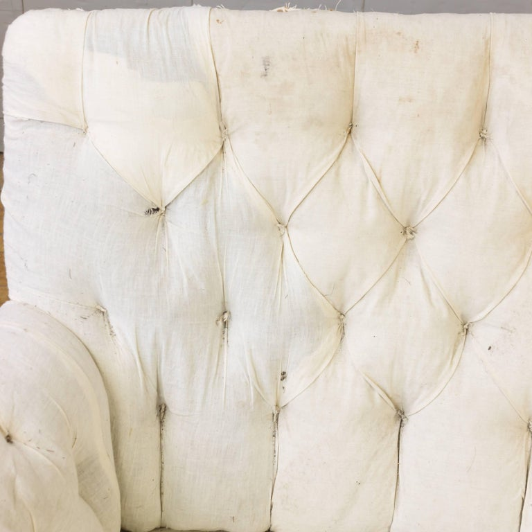 19th Century French Tufted Sofa For Sale 3