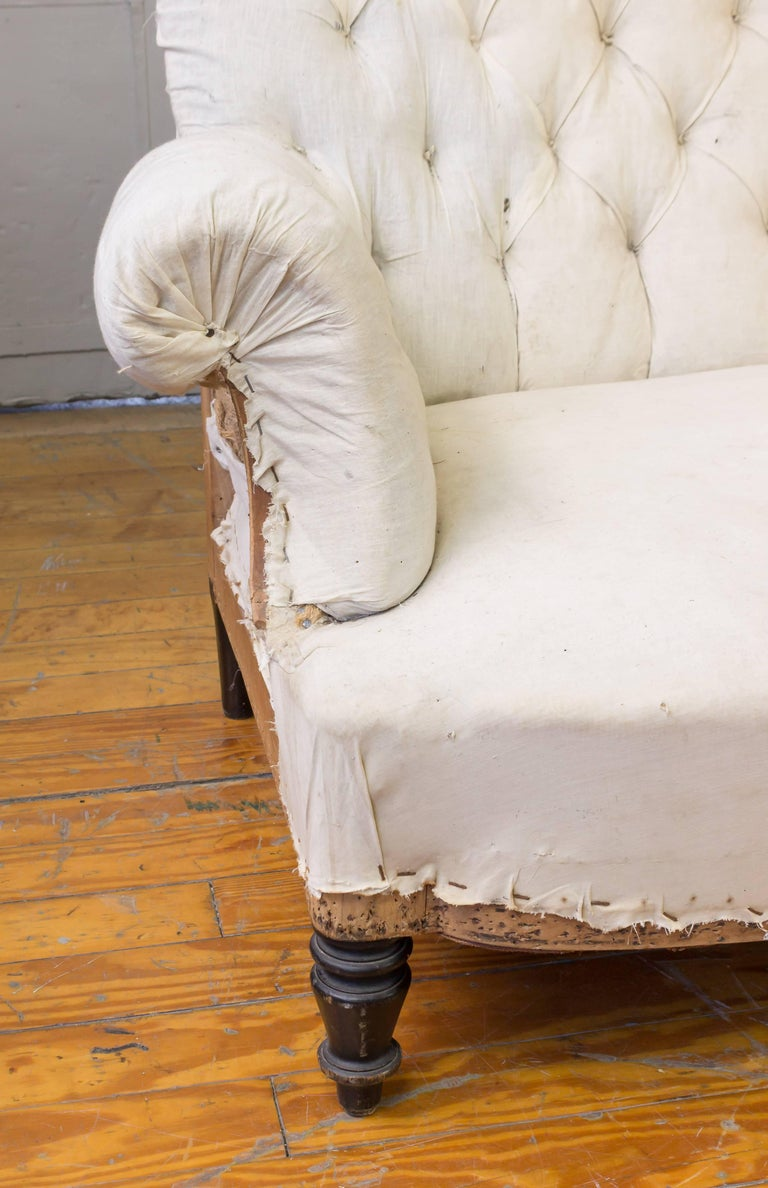 19th Century French Tufted Sofa For Sale 4