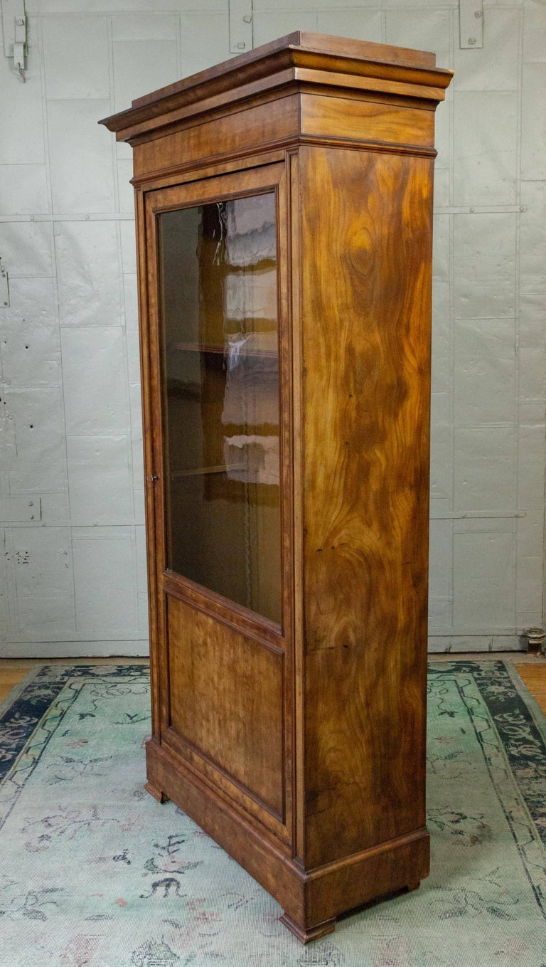 Neoclassical French 19th Century Walnut Bookcase with Original Glass Door For Sale