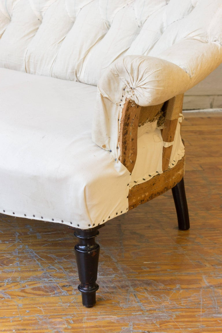 Napoleon III 19th Century French Tufted Settee in Muslin For Sale